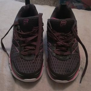 Fila athletic shoes size 9